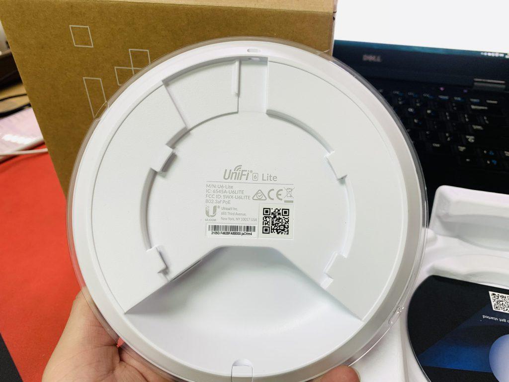 mặt sau của sản phẩm Bộ phát wifi UniFi U6 Lite (U6-Lite)